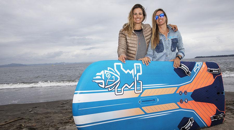 Video – Sisters Foil Sailing Together